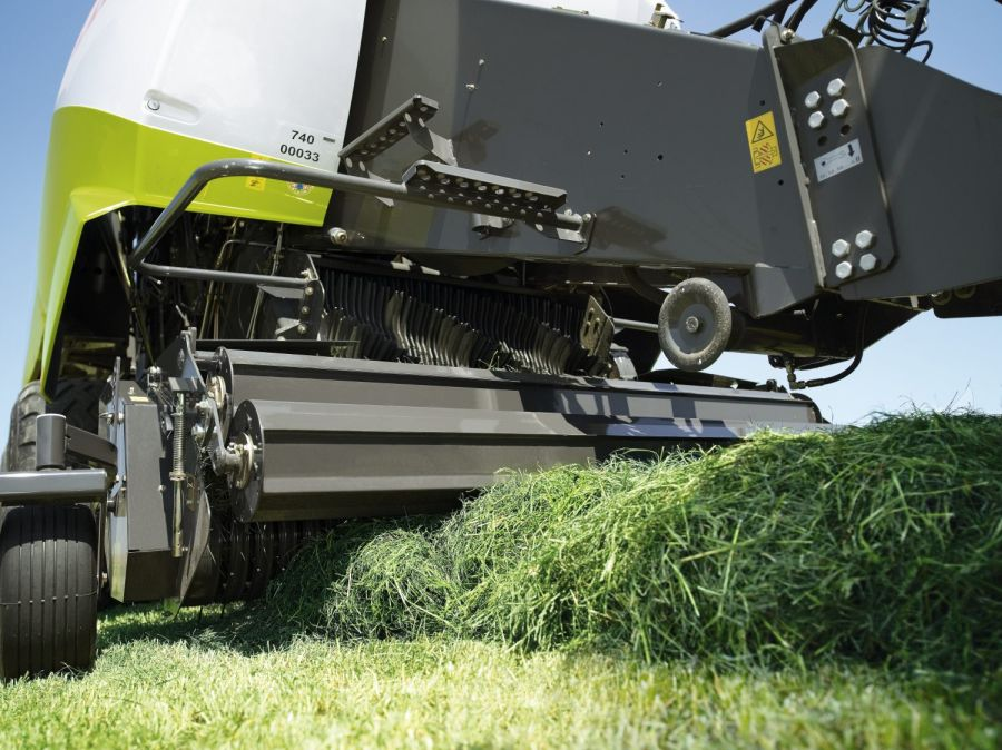 Bale press from Company Claas