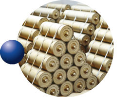 Idlers and conveyor belt rollers